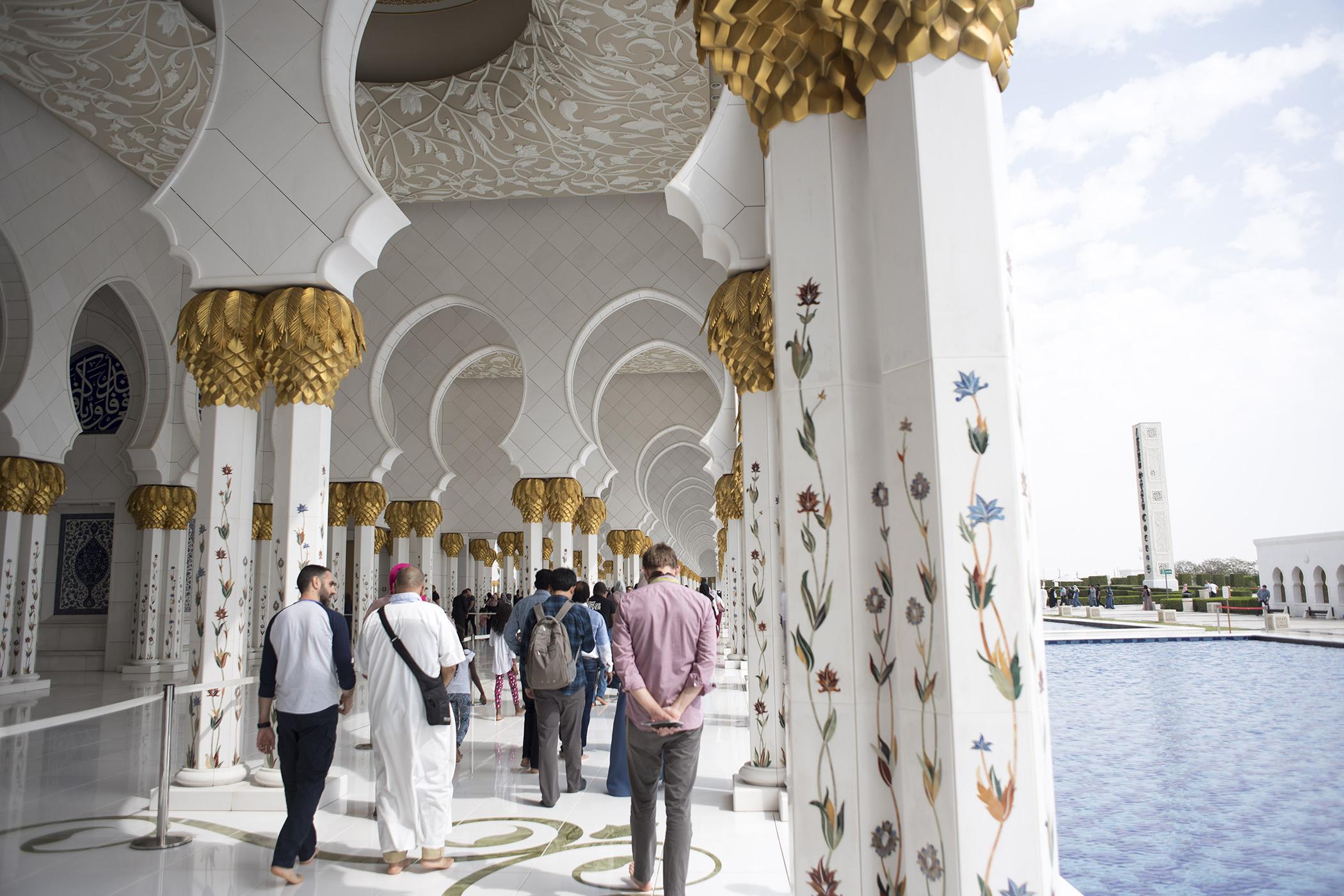 Abu Dhabi2/11 -04