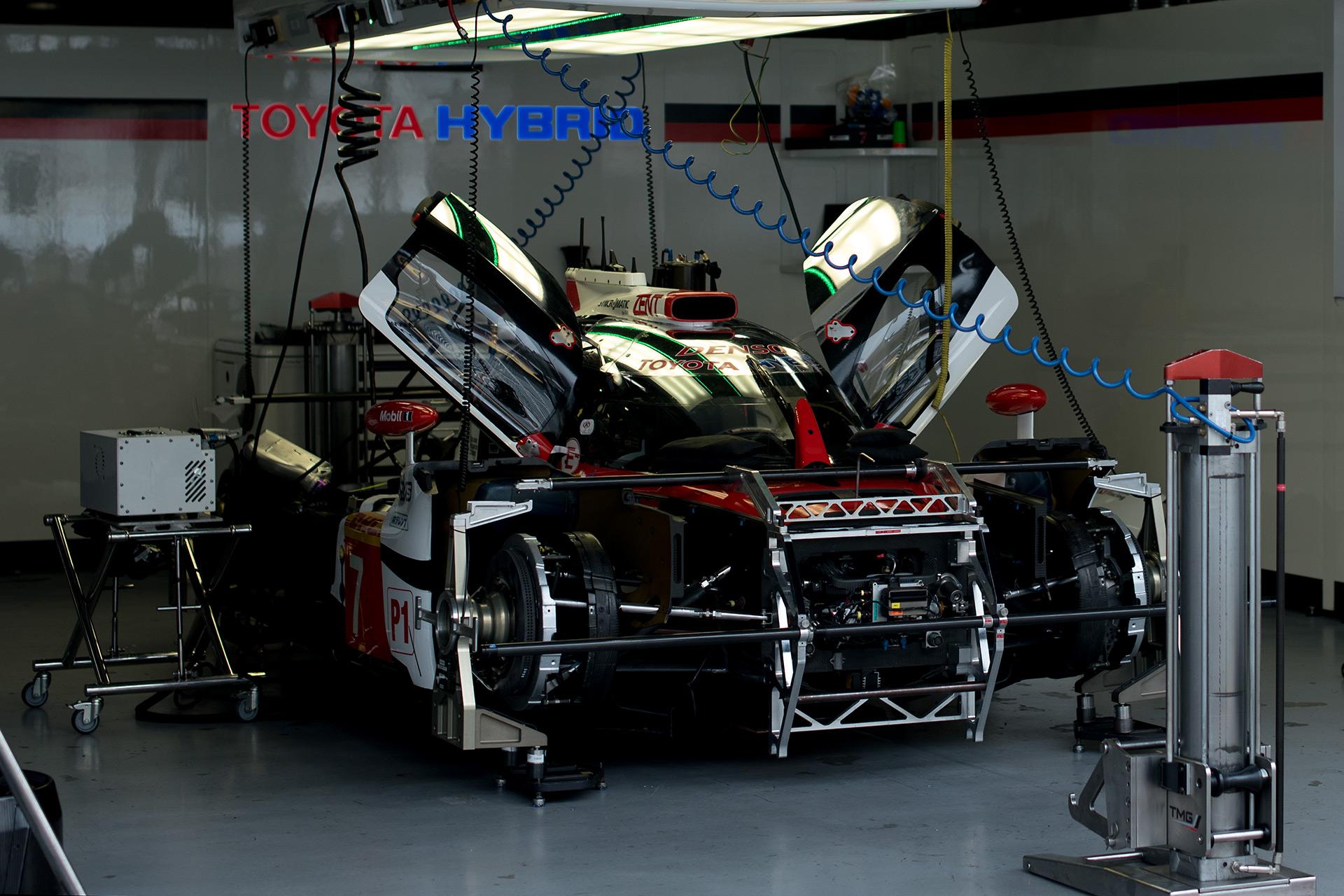 Le Mans24 もうすぐ決勝スタートです